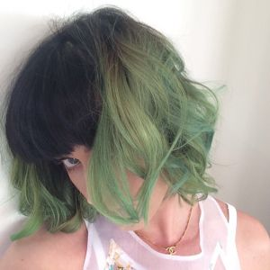 Katy Perry et sa nouvelle coloration verte