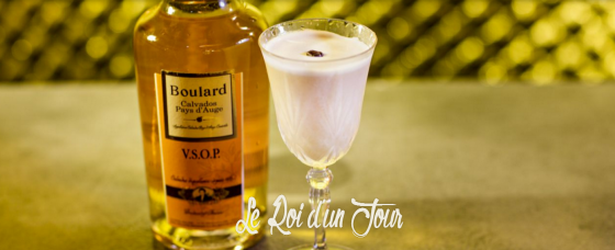 Le cocktail Le Roi d'un Jour proposé au bar Le Syndicat.