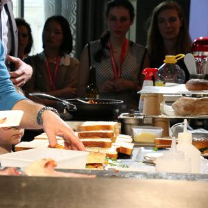 <p>Omnivore World Tour Paris, dimanche 8 mars 2015 - Photo 14 (Gregory Marchand, Frenchie to Go)</p>