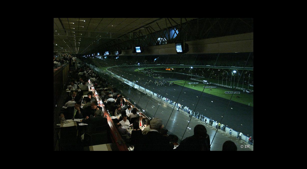 Vue de l 39 hippodrome de vincennes du restaurant photos - Restaurant de absolute vincennes ...