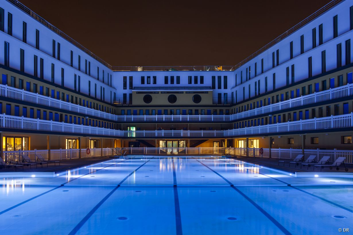 5 piscines pour nager la nuit paris for Piscine molitor hotel