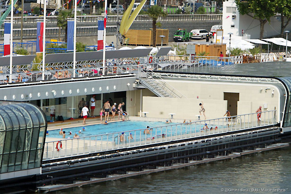 5 piscines pour nager la nuit paris for Article piscine