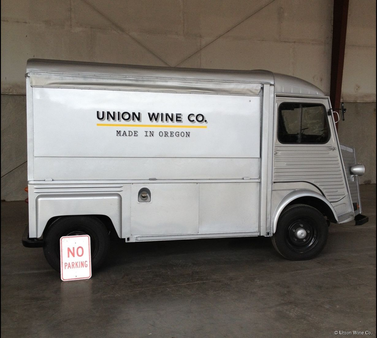"Le Wine-Truck Union Wine Co. ""made in Oregon"""