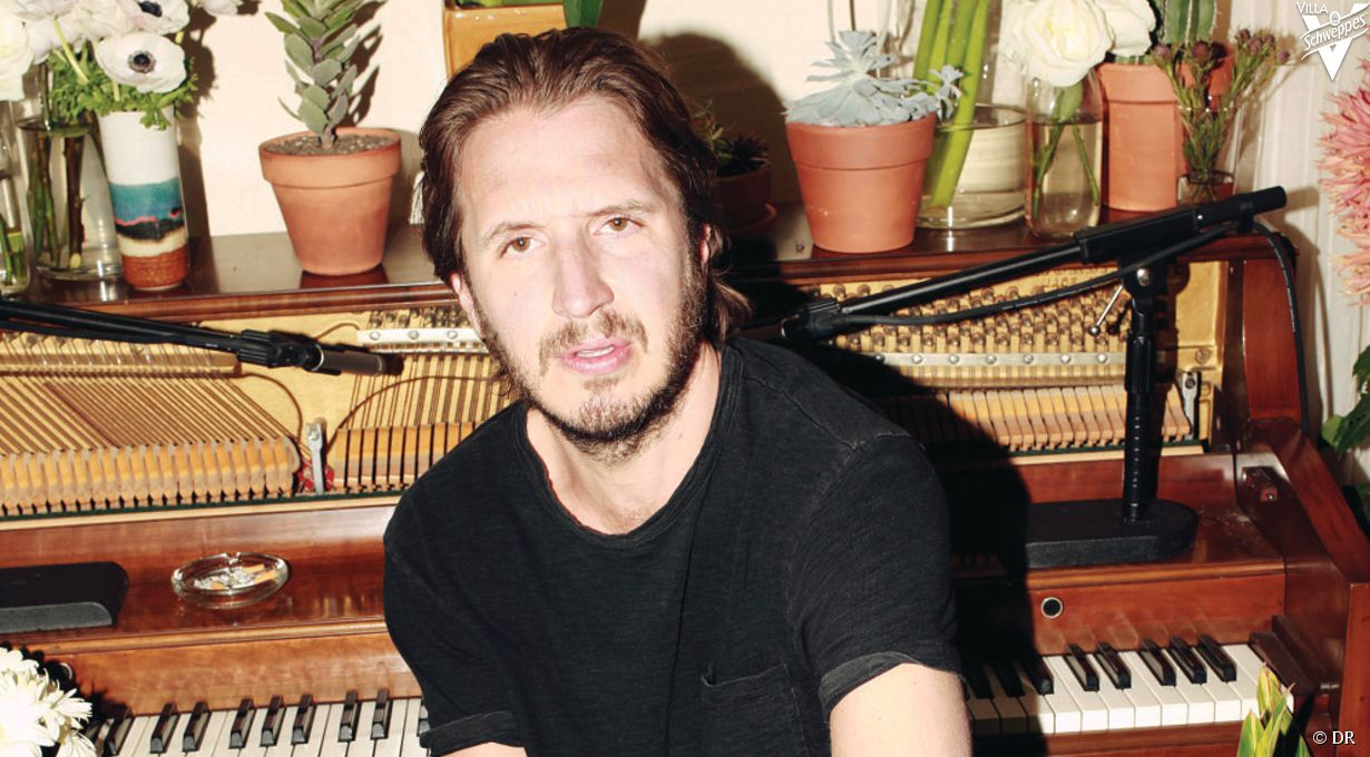 Interview d'Emile Haynie pour son album  We Fall