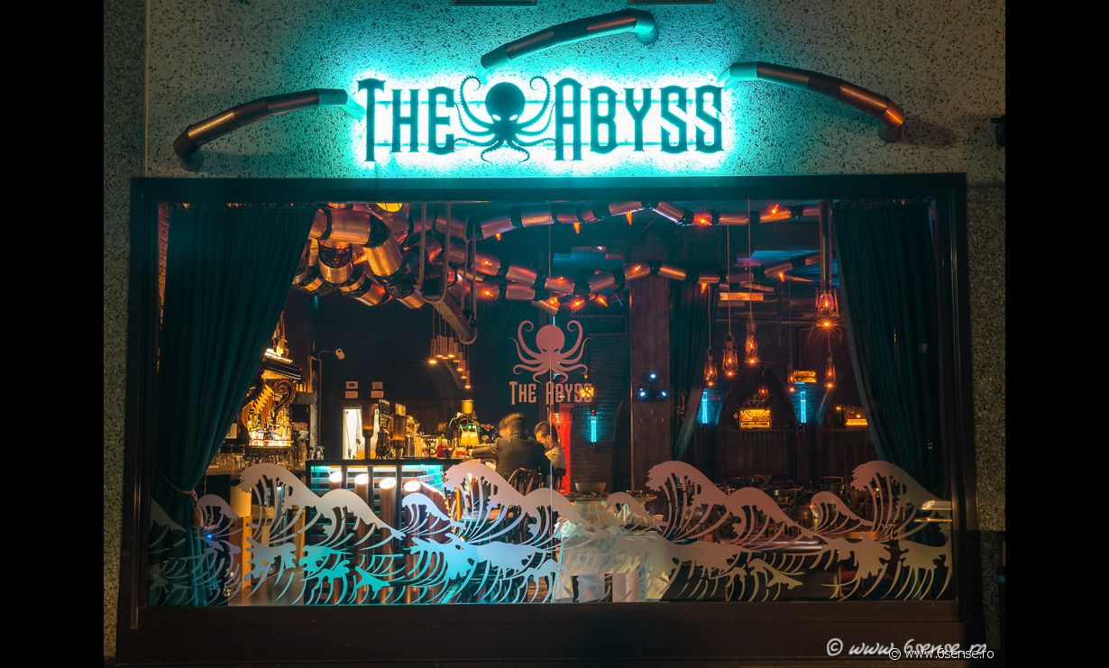 The Abyss Pub - Photo 2