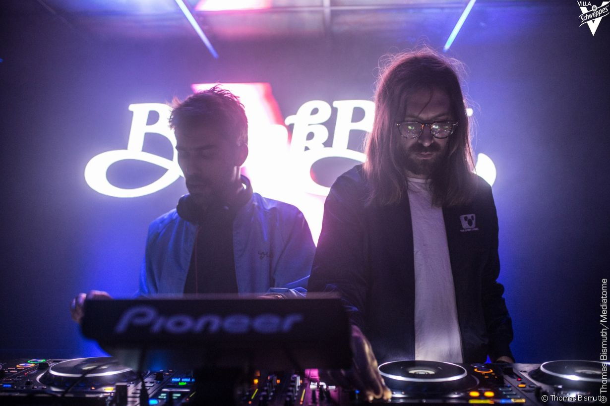 Villa Schweppes à Cannes le 23 mai 2017 - Photo 12 (Breakbot & Irfane)