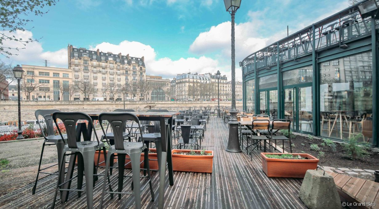 Le Grand Bleu, Port de l'Arsenal, en face du 46 boulevard de la Bastille, 75012 Paris