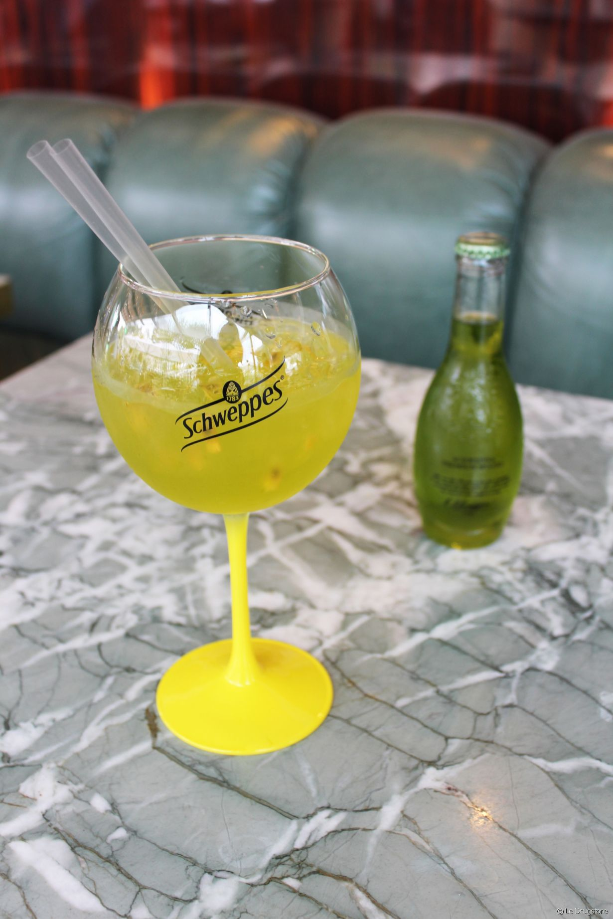 Le pop-up Schweppes sur la terrasse du Drugstore - Photo 8