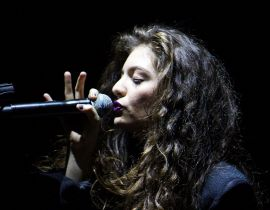 """Yellow Flicker Beat"" : Lorde s'offre Hunger Games 3"