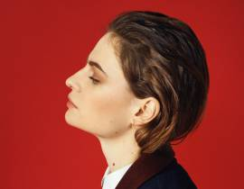 "Christine and the Queens en Jacquemus pour le clip de ""Paradis Perdu"""