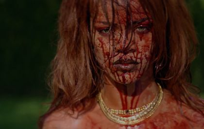 "Rihanna : un clip sanglant pour ""Bitch Better Have My Money"""