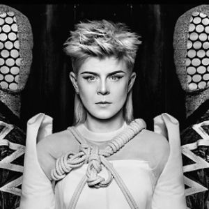 "Robyn et Röyksopp ""Do It Again"""