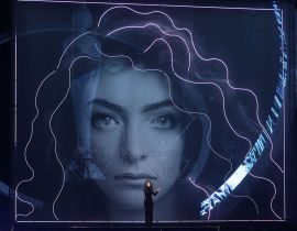 "Lorde et Disclosure remixent ""Royals"" aux Brit Awards"