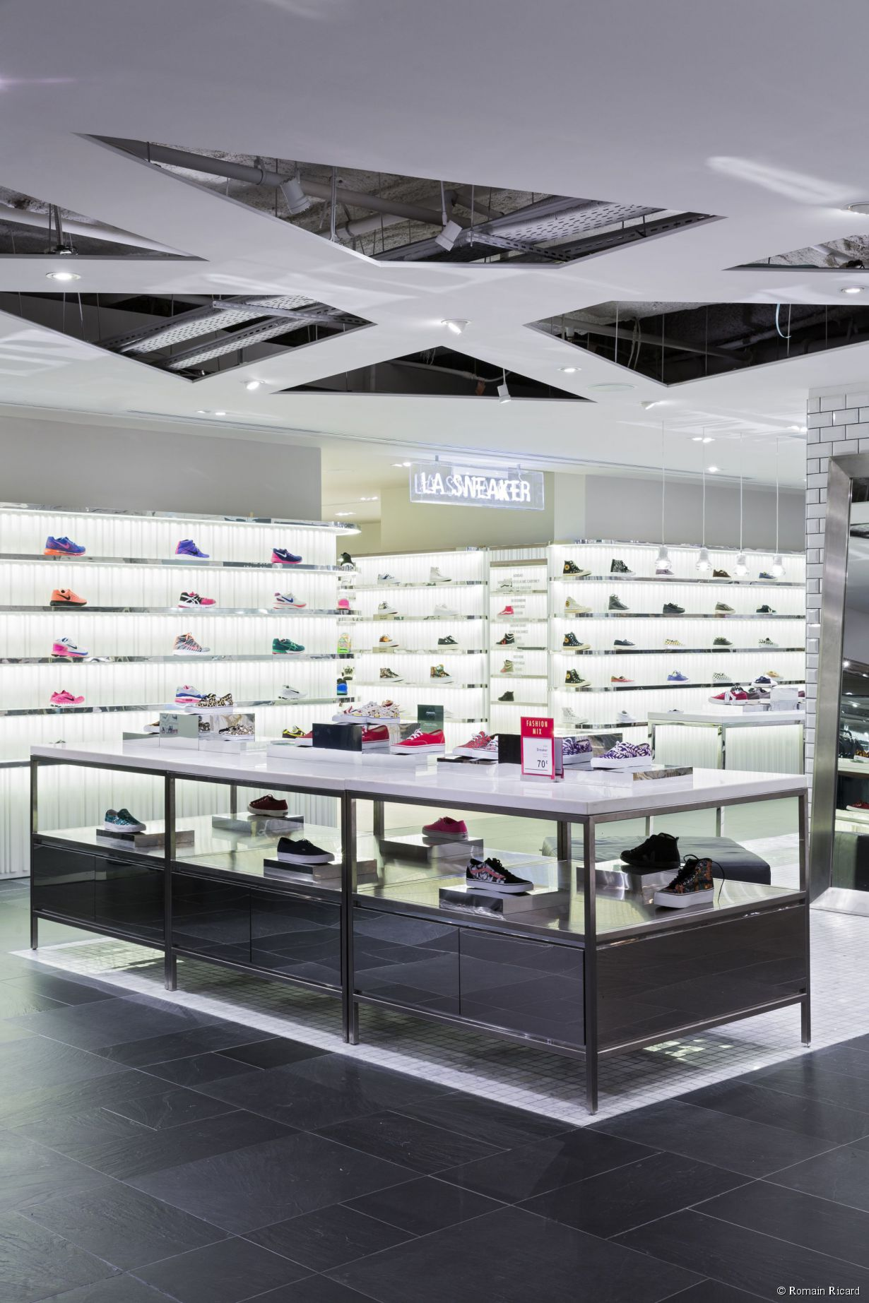La Sneakers Library au grand magasin Le Printemps