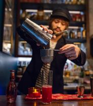 Le Jolly Apple de Joe, bartender du Red House