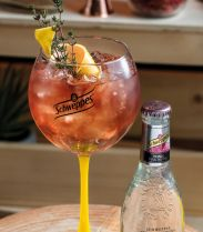 Recette Schweppes'ito Fraise - Cocktail spécial Calvi on the Rocks